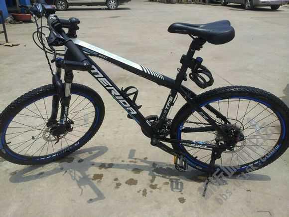二手 供求 本人手里13年9月美利达自行车转让本人不是自行车爱好者 因为去年楼主本地刮起了一阵山地车风 说白了当时就是跟风在美利达专卖店买的 关于自行车的各方面配件啥的我真是一窍不通